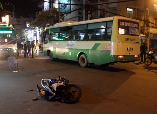 2 ngày 3 vụ đụng xe buýt, 5 người thương vong