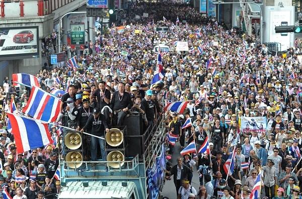 Diễn biến mới nhất cuộc biểu tình chống chính phủ Thái Lan