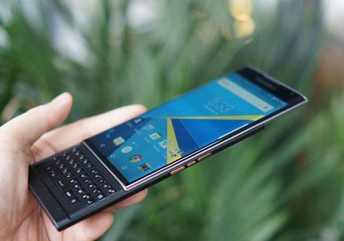 BlackBerry Priv chính hãng giá 18,5 triệu đồng