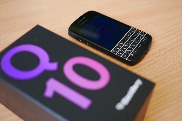BlackBerry Q10 bất ngờ giảm giá còn dưới 5 triệu đồng