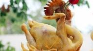 Cách chọn gà trống choai và bày gà cúng giao thừa