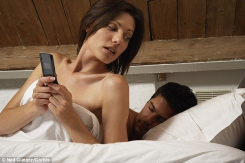 Cái kết đắng chát cho người vợ lăng loàn phản bội chồng