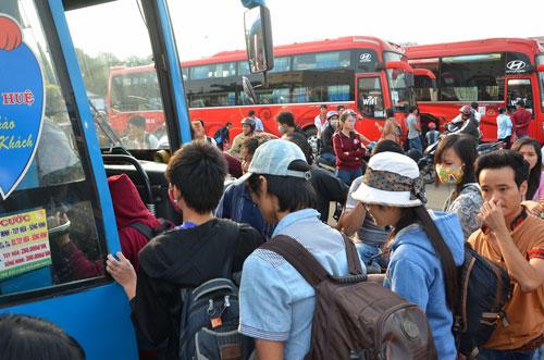 Xe chở trên 10 khách phải báo cáo hành trình