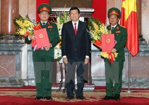 Chủ tịch nước thăng quân hàm Đại tướng cho hai tướng quân đội