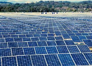 Solar farm in vietnam- Cách mạng điện mặt trời trên mảnh đất hình chữ S