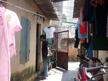 Hà Nội: Nam thanh niên đổ xăng thiêu cả mình và người yêu