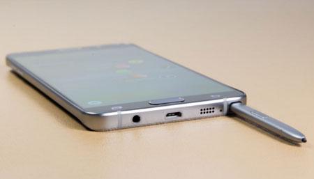 Galaxy Note 5 gặp lỗi thiết kế sơ đẳng?