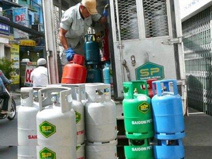"""Giá gas """"đục thủng"""" túi NTD vì độc quyền nhóm?"""