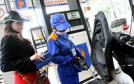 Bộ Tài chính yêu cầu giữ nguyên giá bán xăng dầu
