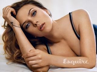 Scarlett Johansson lần thứ 2 gợi cảm nhất hành tinh