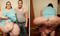 """Lạ nhất tuần qua: Người phụ nữ béo nhất thế giới, hiến tặng """"của quý"""" cho bảo tàng..."""