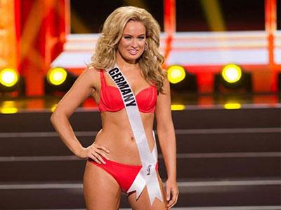 Người đẹp Miss Universe lộ bụng to, ngực chảy khi mặc bikini