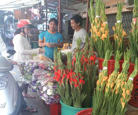 Hoa quả tăng giá mạnh ngày rằm tháng Giêng