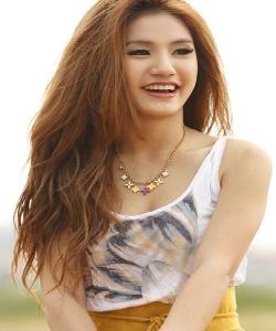 Nụ cười đẹp mê lòng người của hotgirl Campuchia