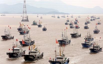 """""""Lột mặt nạ"""" cái gọi là """"hạm đội tàu cá"""" của TQ trên Biển Đông"""