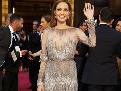 """Lý do Angelina Jolie không đạo diễn phim hot """"50 sắc thái"""""""