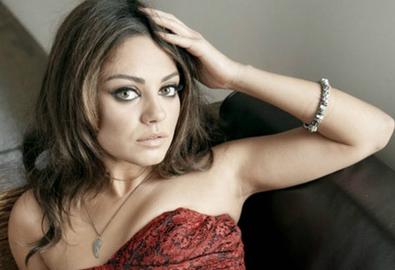 Mila Kunis mang thai con đầu lòng
