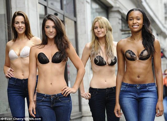 10 kiều nữ cởi phăng đồ lót, đính miếng dán ngực dạo phố