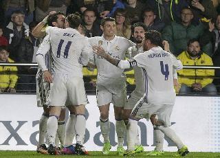 Ngược dòng nghẹt thở trước Villarreal, Real tái chiếm ngôi đầu