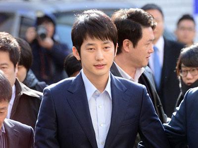 Sao Hàn cưỡng dâm Park Shi Hoo bị phản đối vì trở lại sớm