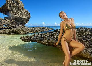 Siêu mẫu áo tắm đắt nhất hành tinh nóng bỏng trên đảo vắng