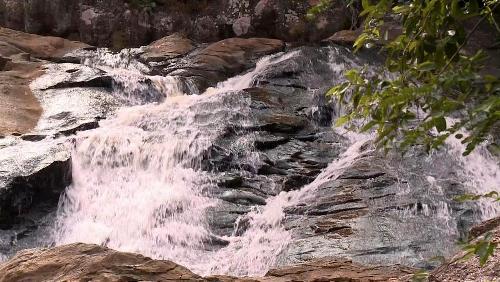 Suối Mỡ, dòng thác bạc trên sườn tây Yên Tử