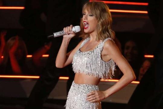 Taylor Swift bị tố đạo nhạc, đòi bồi thường 42 triệu USD!