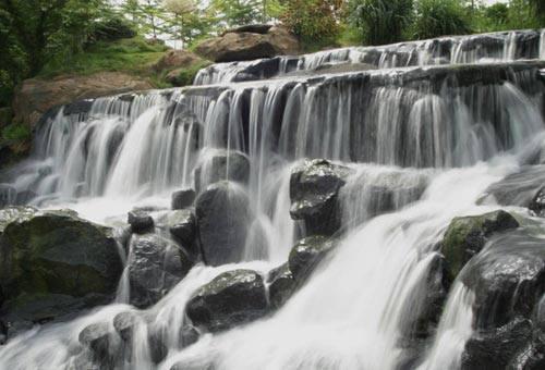 Thác Giang Điền xanh mát giữa Đồng Nai