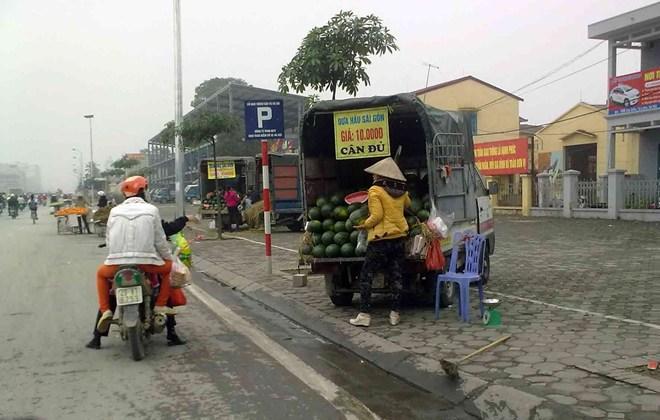 Thận trọng khi mua hoa quả giá rẻ
