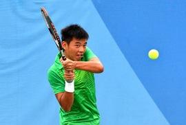 Thắng trắng tay vợt Trung Quốc 6-0, Hoàng Nam vào tứ kết