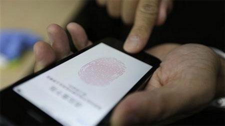"""Treo thưởng 13.000 USD để """"bẻ khóa"""" vân tay iPhone 5S"""