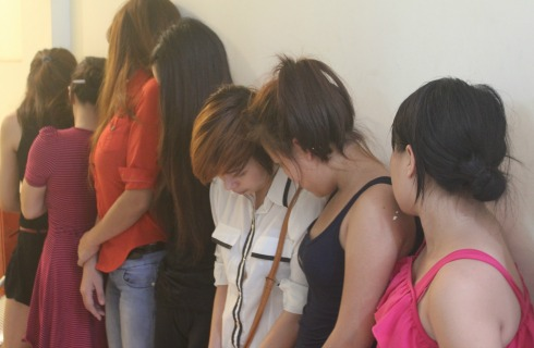 Triệt phá hàng chục ổ mại dâm ở Hà Nội