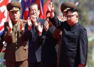 """Triều Tiên phóng tên lửa """"Xịt"""": Công của Obama hay tính toán khôn ngoan của Kim Jong Un?"""