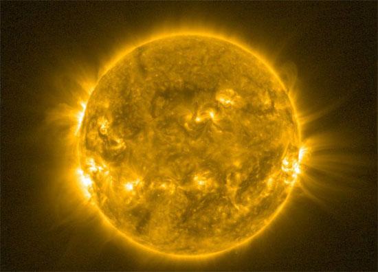 Từ trường mặt trời sắp đảo cực