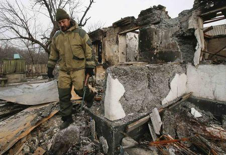 Ukraine: Phe ly khai tấn công tổng lực