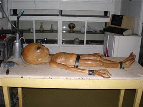 Những tiết lộ về người ngoài hành tinh ở Vùng 51 tối mật