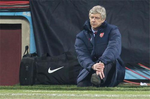 Arsenal khủng hoảng: Đến lúc ra đi rồi, Wenger